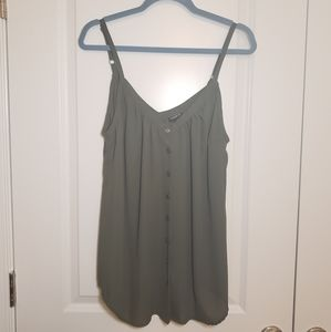 EUC Torrid 0 Olive Green Button Front Tank